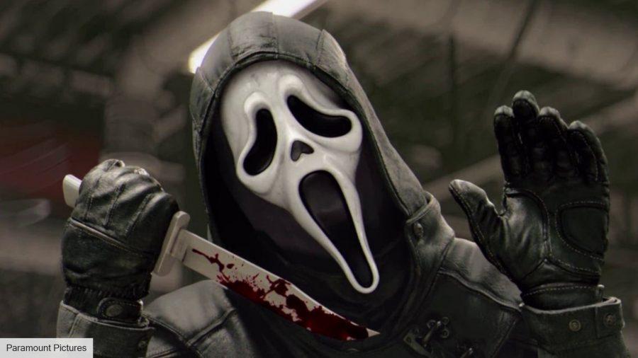 Scream 5: Ghostface holding a knife