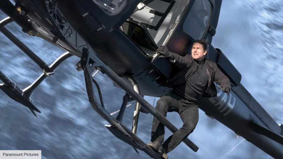 Tom Cruise meets some unaware hikers while filming a stunt for Mission Impossible 7